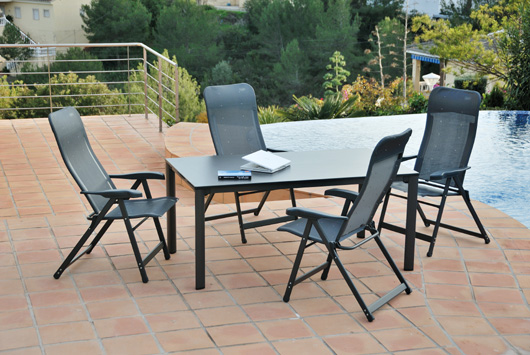 The spanish outdoor furniture company crespo launches for Outdoor furniture spain