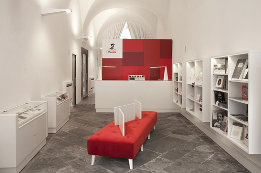 Studi 242 Vo Designs The Ticket Office And The Bookshop Of The