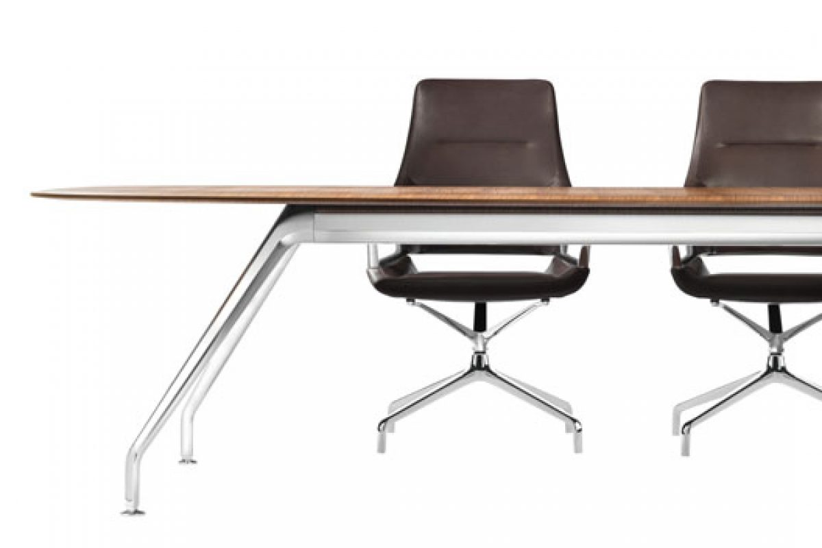 New Graph table by Wilkhahn, a perfect match for the conference chair