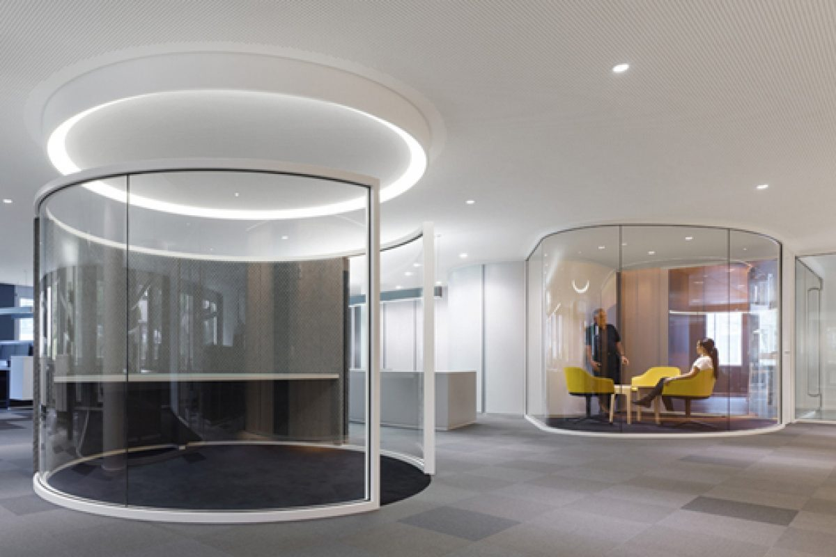 "New Drees & Sommer Headquarters in Stuttgart. Ippolito Fleitz Group performs ""non-territorial office"" philosophy"