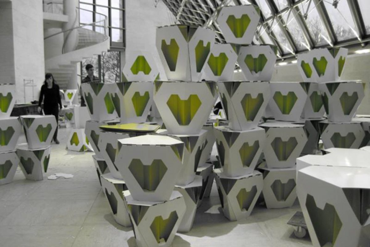 'Marché des créateurs' at MUDAM, Luxemburg. Fold & Popup Shop made from Elderly Stools. Design by Noa Haim