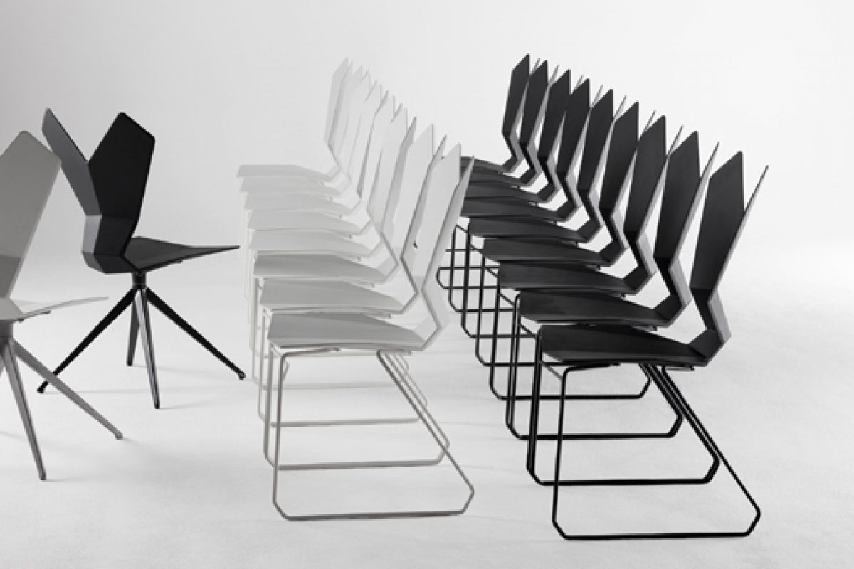 imm cologne Preview: Y Chair by Tom Dixon. A new silhouette, super ergonomic, hyper flexible and ultra-robust