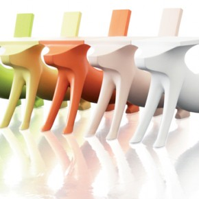 Le Chien Savant, the children's chair-desk designed by Philippe Starck for Magis