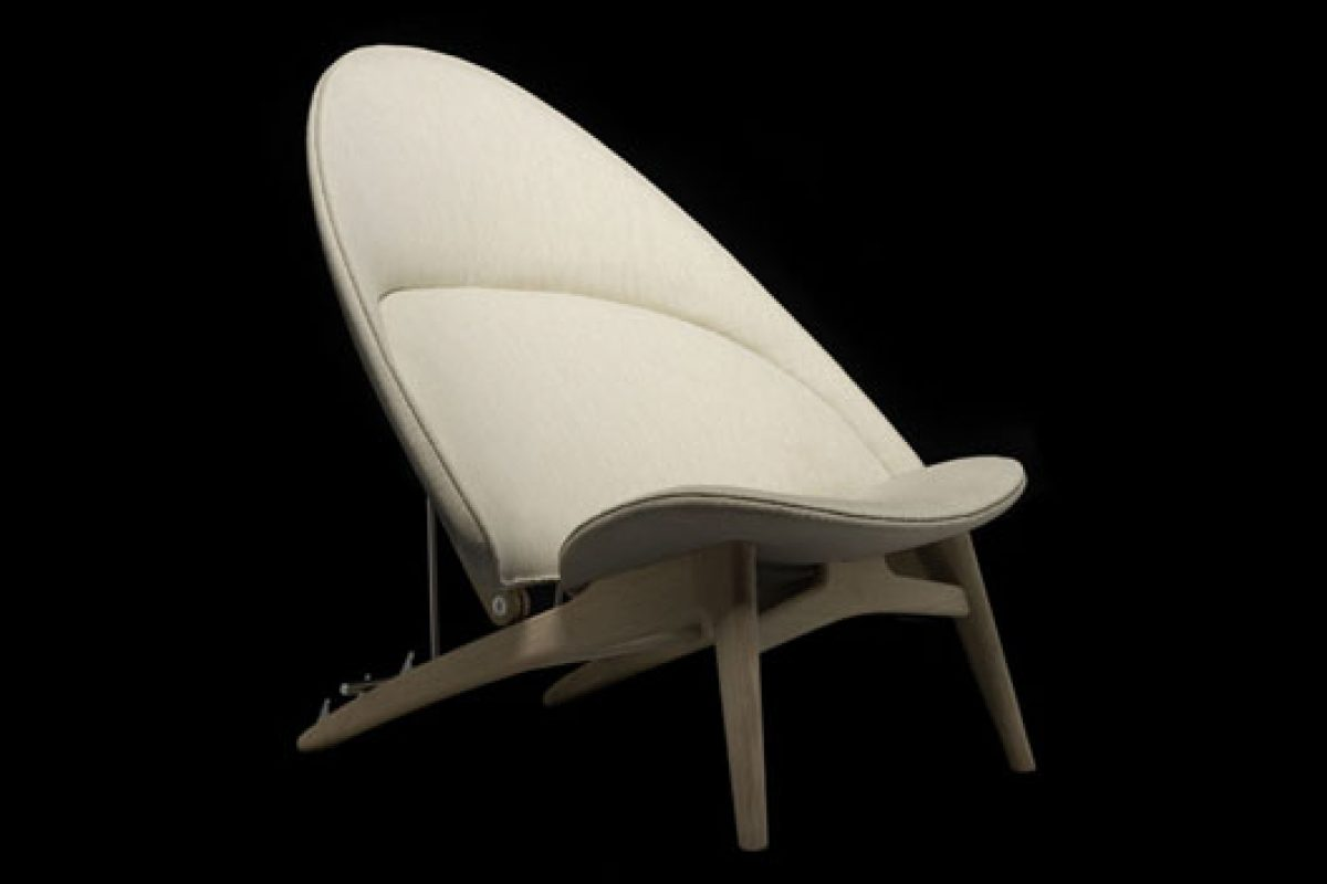 Milan 2014 preview: Hans Wegner's Tub Chair by PP Mobler