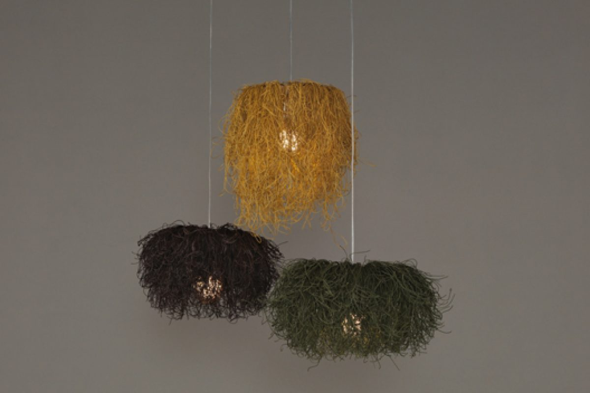 Caos, the new lighting collection by Arturo Alvarez. Reflections, sparkles and shadows, the disordered order