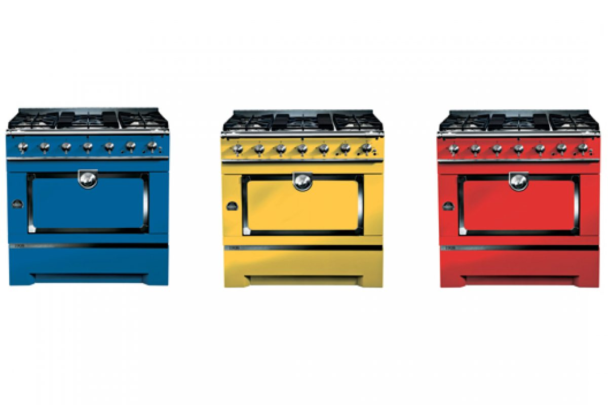 The 1908 by La Cornue in Mondrian's colours. The kitchen range for young culinary artists