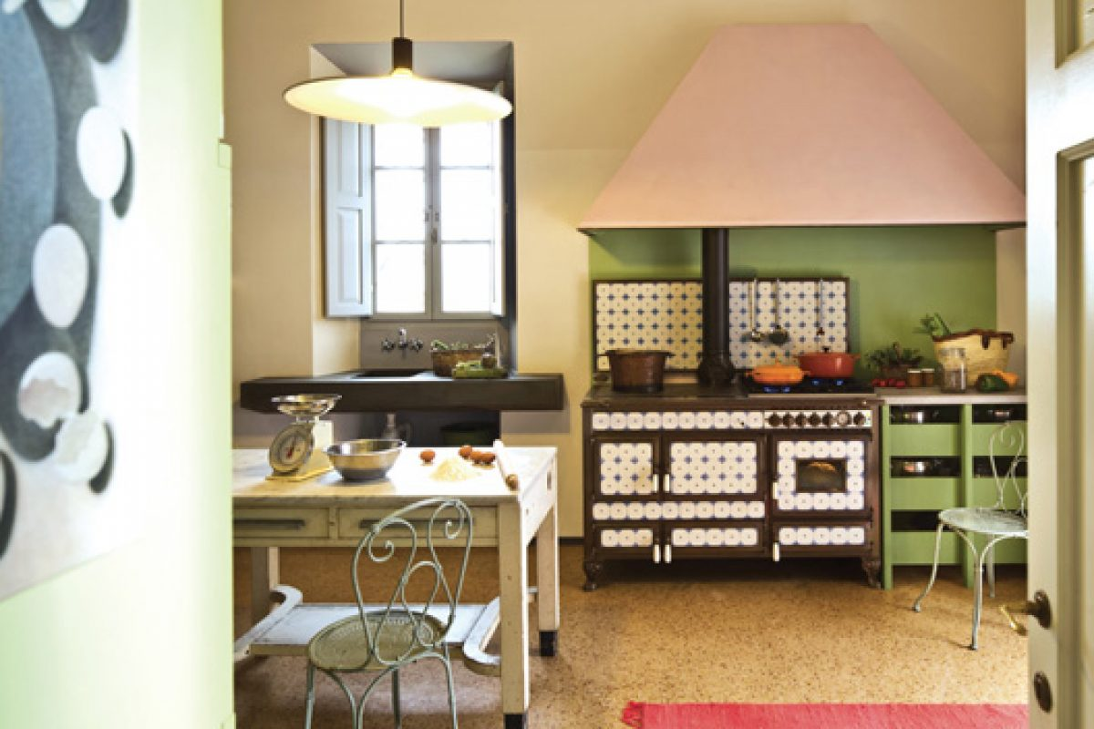 The timeless charm of ceramics: Borgo Antico wood-burning and combined cooker by J.Corradi