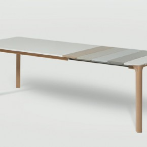 Lataula, a table designed by CrousCalogero for Arlex that grows and grows playing with the colors of its extensions