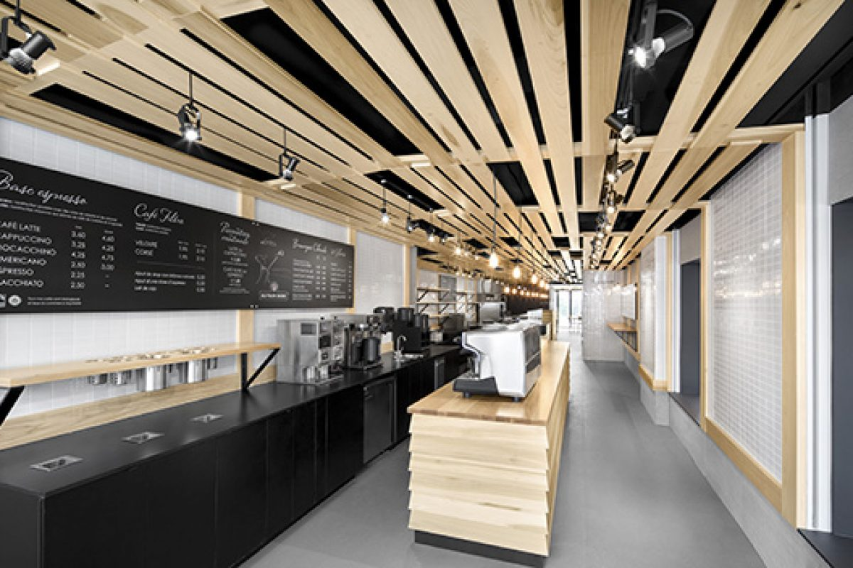 Au Pain Doré, striking bakery designed by Nature Humaine where wood brings contrast and warmth