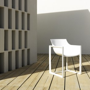 New outdoor seating collection by Vondom: Wall Street, a design by Eugeni Quitllet