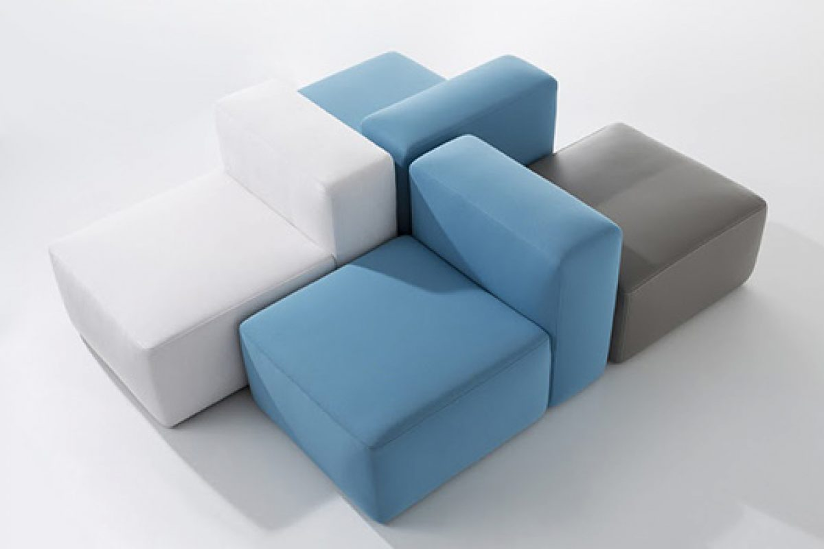 Dolmen, the modular system of seats, cushions, back seats and arms designed by edeestudio for B&V Tapizados