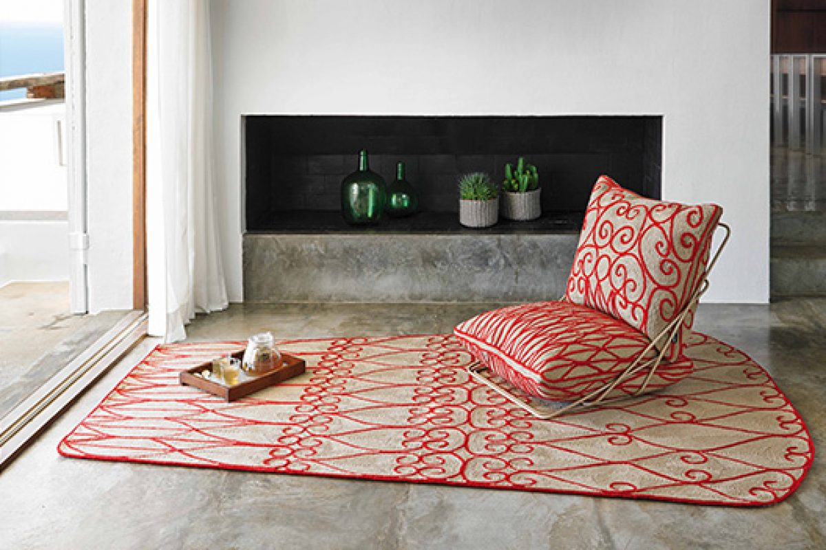 "The rug turns three-dimensional with Valentina Space by GAN. Handmade ""prêt-à-porter"" luxury"