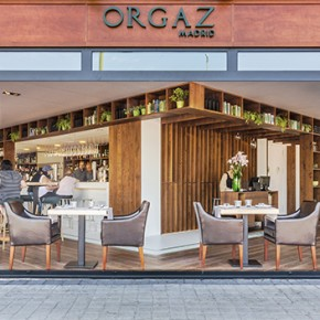 Zooco Estudio designs the Orgaz Madrid restaurant with a clear structure of serving and served spaces