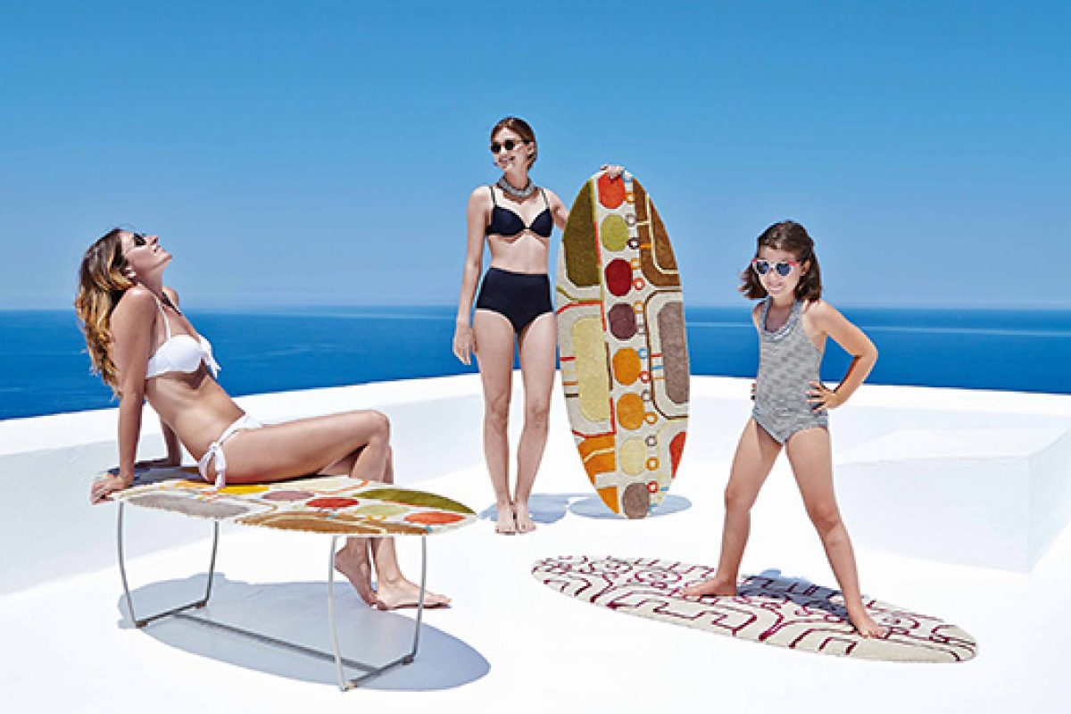Surf Bench by Gan. The rug that rides the ground and becomes a bench