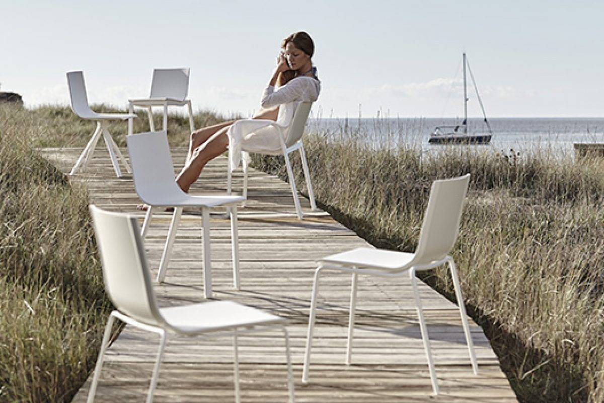 Stack System Chair by GandiaBlasco, the versatility of the chair according Borja García