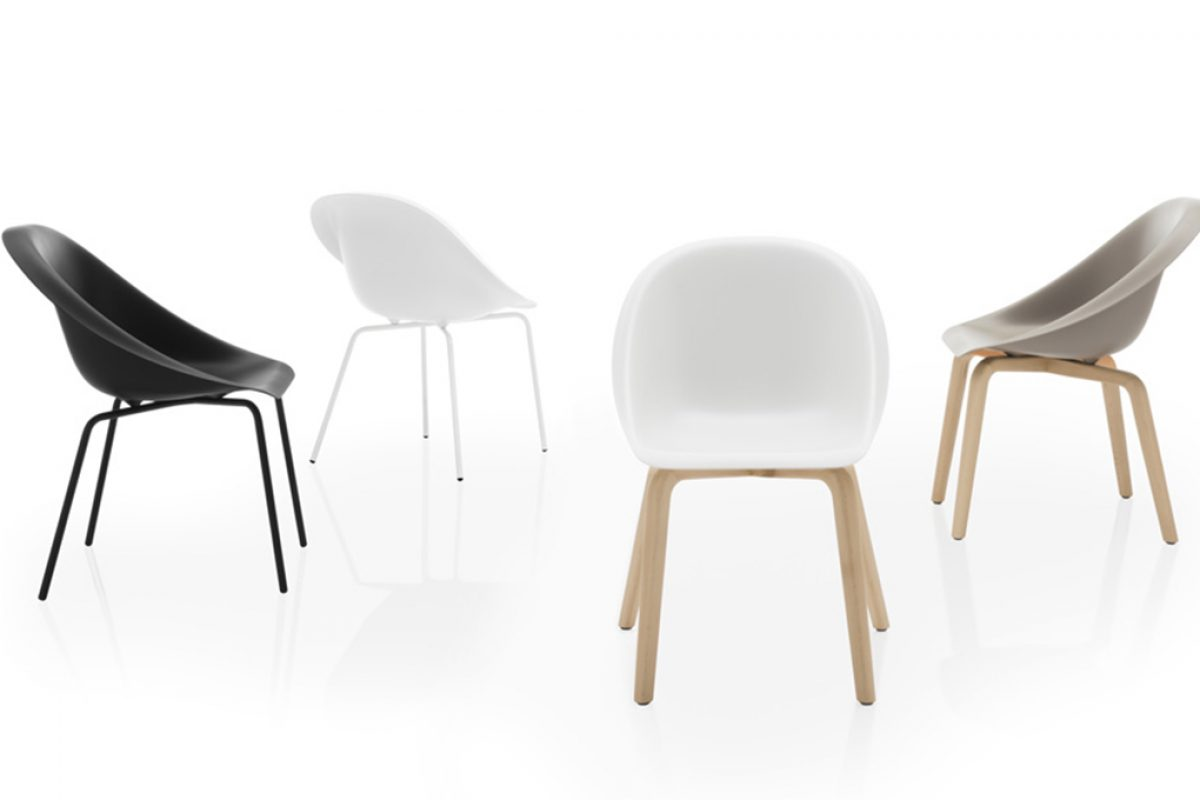 HOOP, minimalism and sensuality in the new chair from Karim Rashid for B-Line