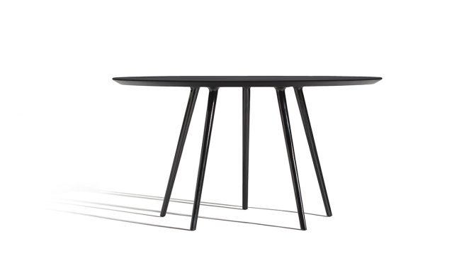 Gazelle, graceful elegance in the table designed by Claesson Koivisto Rune for Capdell