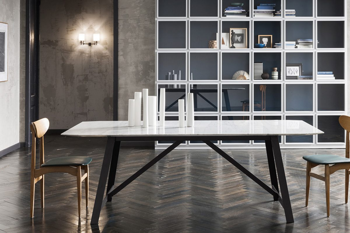Bon-Ton, versatile dining table by Silvano Pierdonà for Capod'opera
