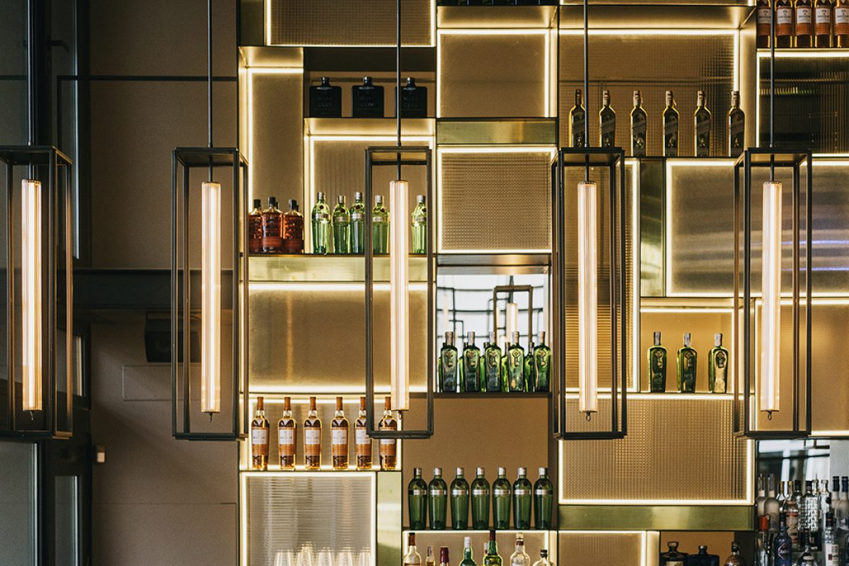 Terre Restaurant in Alicante, an elegant and self-absorbed night venue designed by Tarruella Trenchs