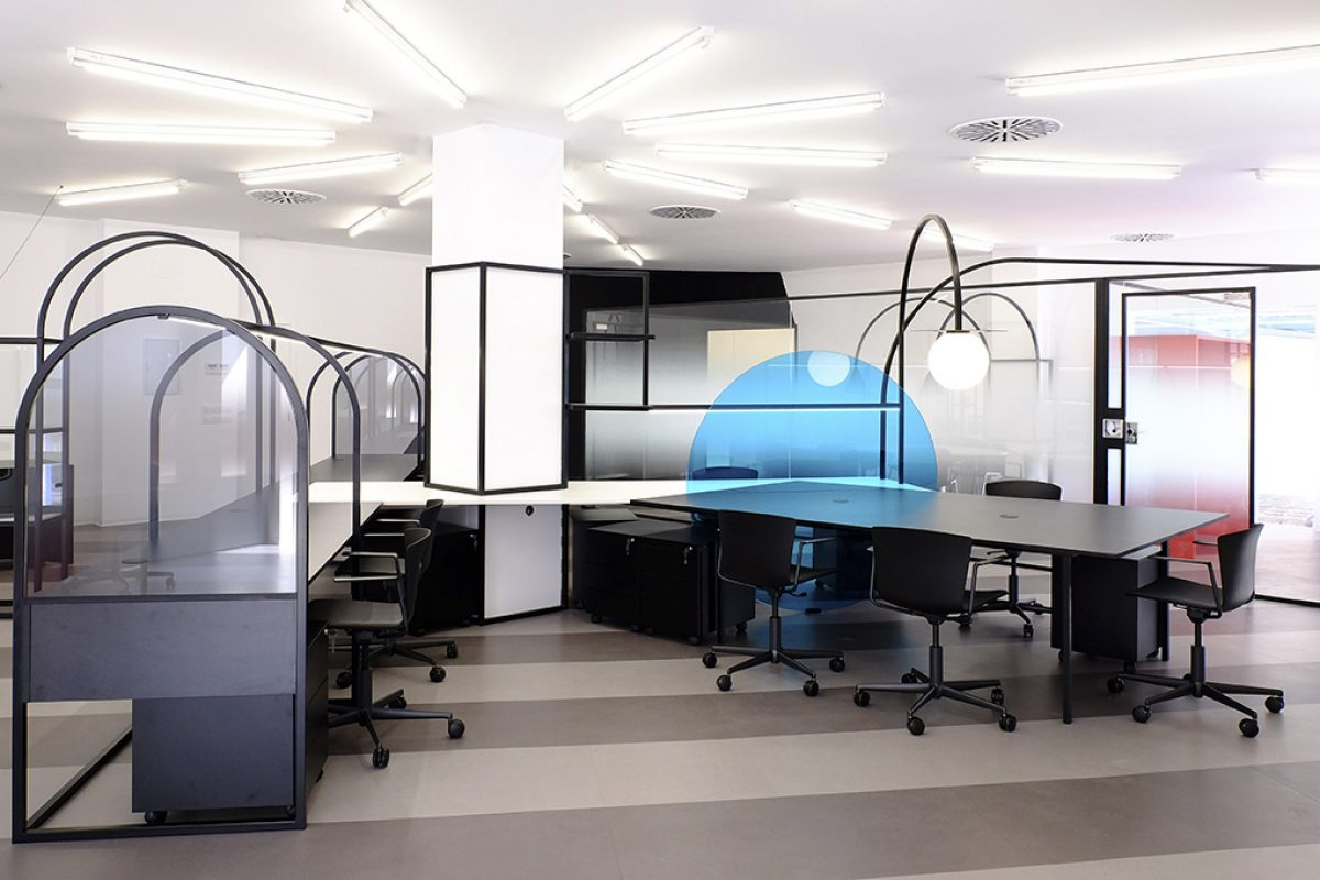 Novatec Group new offices designed by Tiovivo Creativo. Space inside the machine
