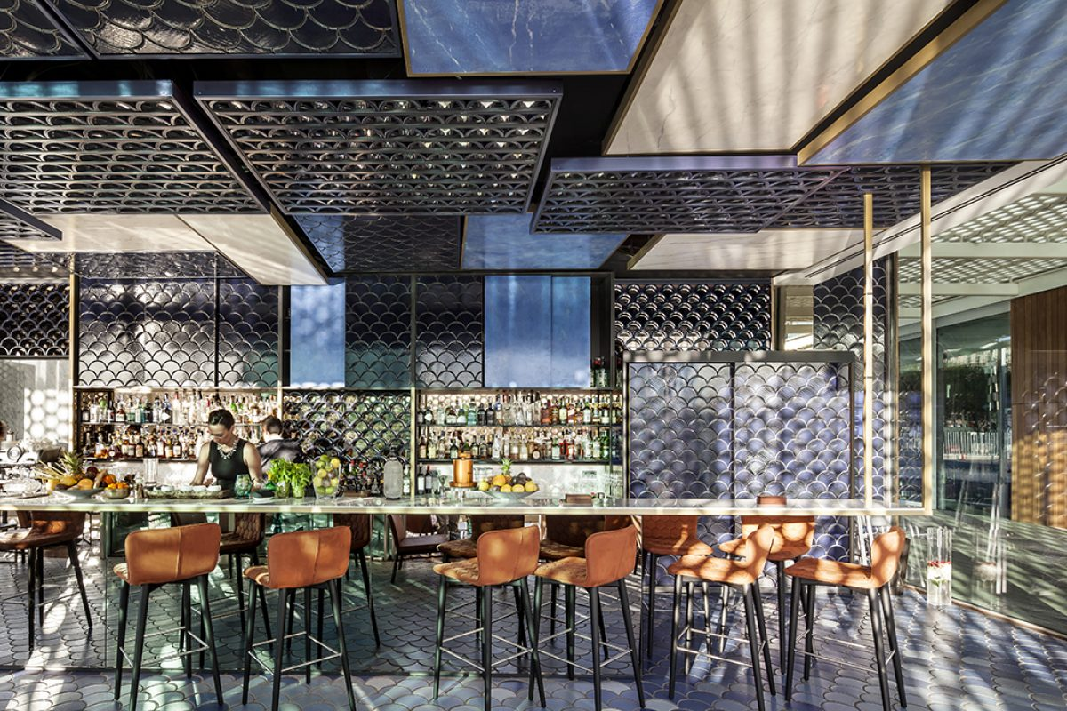 Go to Blue Wave, the project by El Equipo Creativo wins award for Best Designed Bar in the world at the Restaruant & Bar Design Awards 2016