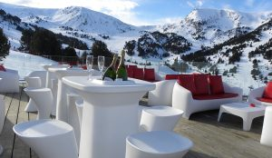 Vondom furnished Riba Escorxada, the chill out meeting point for après ski in El Tarter, Andorra