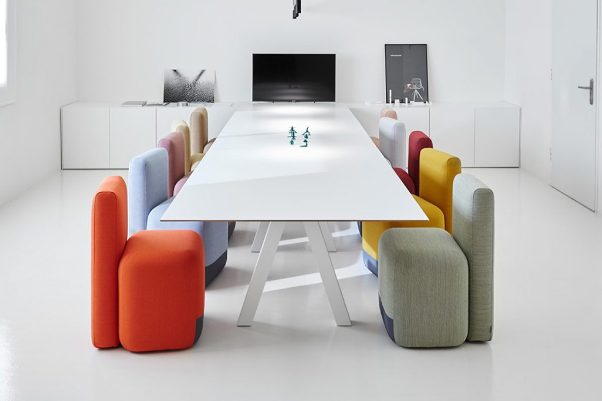 Viccarbe  brightens up meetings and presentations bringing a fresh and Mediterranean approach to any space
