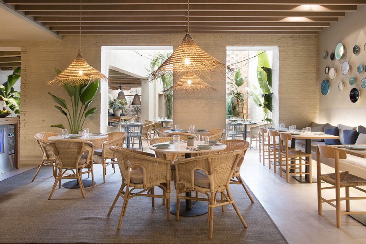 Tarruella Trenchs designed the Turqueta Restaurant in Valencia, a space with Minorcan soul and domestic ambience