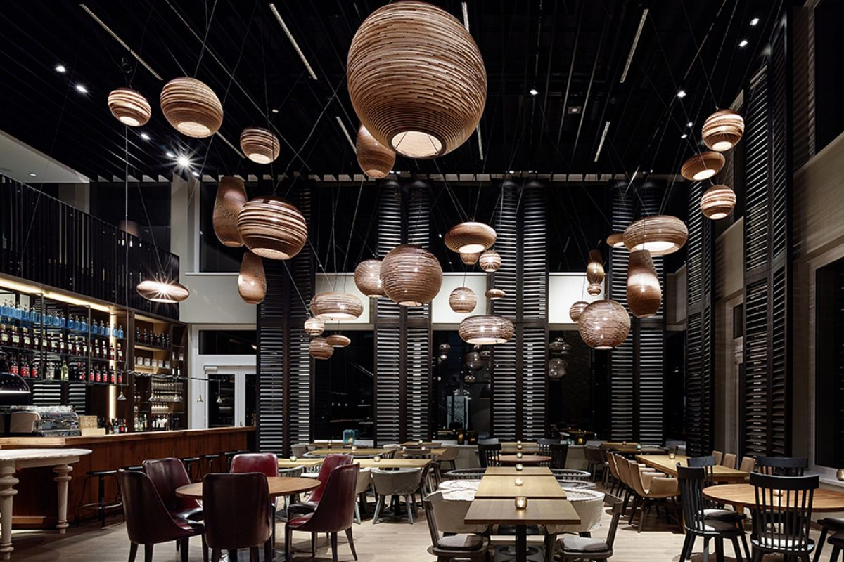 Versatility and functionality at heterogeneous Campus Restaurant of Motel One in Munich by Ippolito Fleitz Group