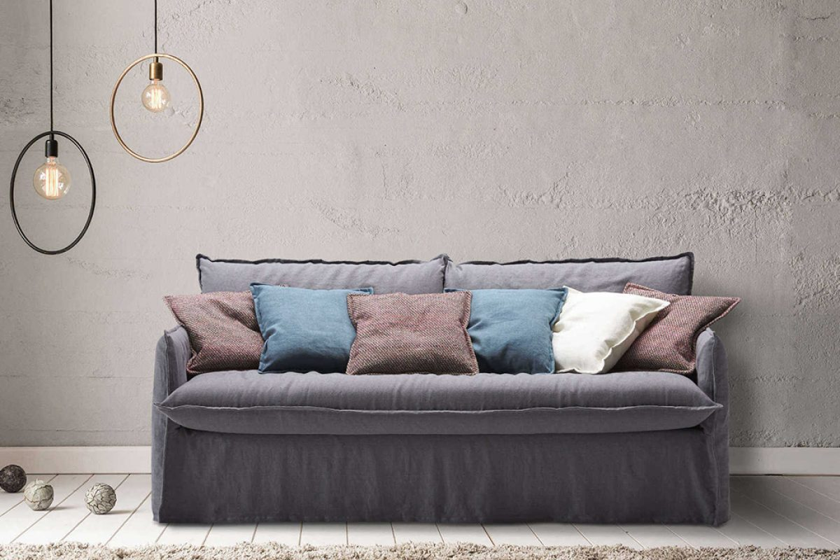Clarke by Milano Bedding, an informal design and extremely comfortable sofa and sofa bed with lived-in look