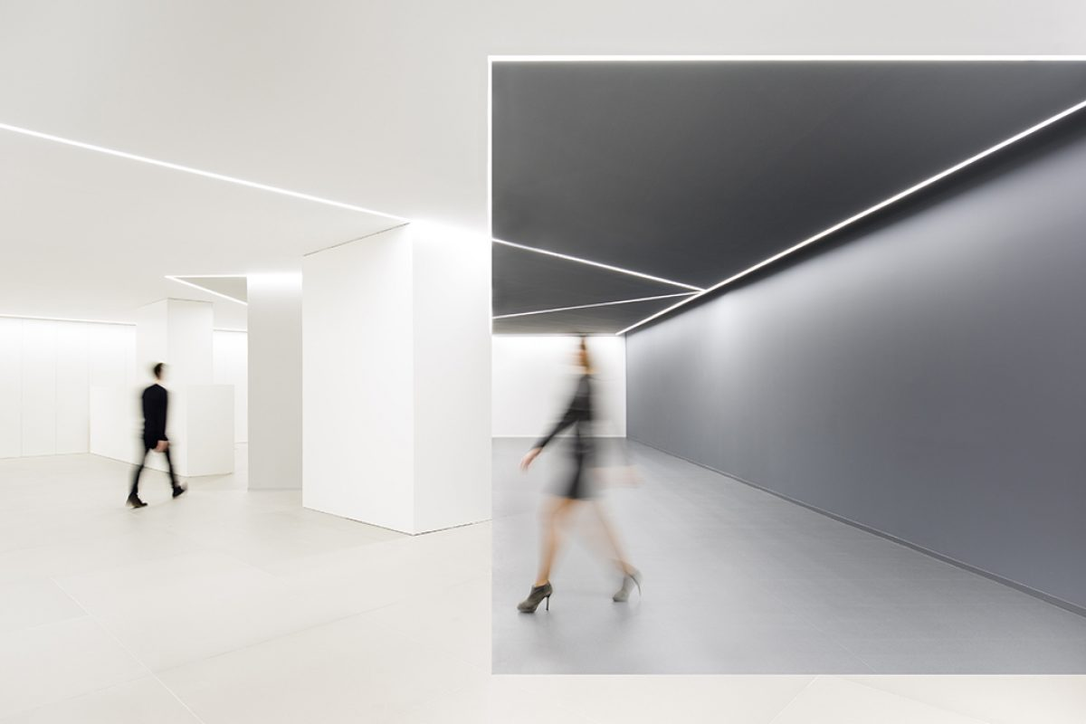 Minimalism, geometries and optical illusions at ARV offices in Valencia designed by Fran Silvestre Arquitectos