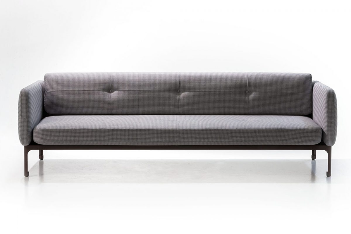 Doshi Levien is inpired by tailor-made suits to design the Modernista Collection for Moroso