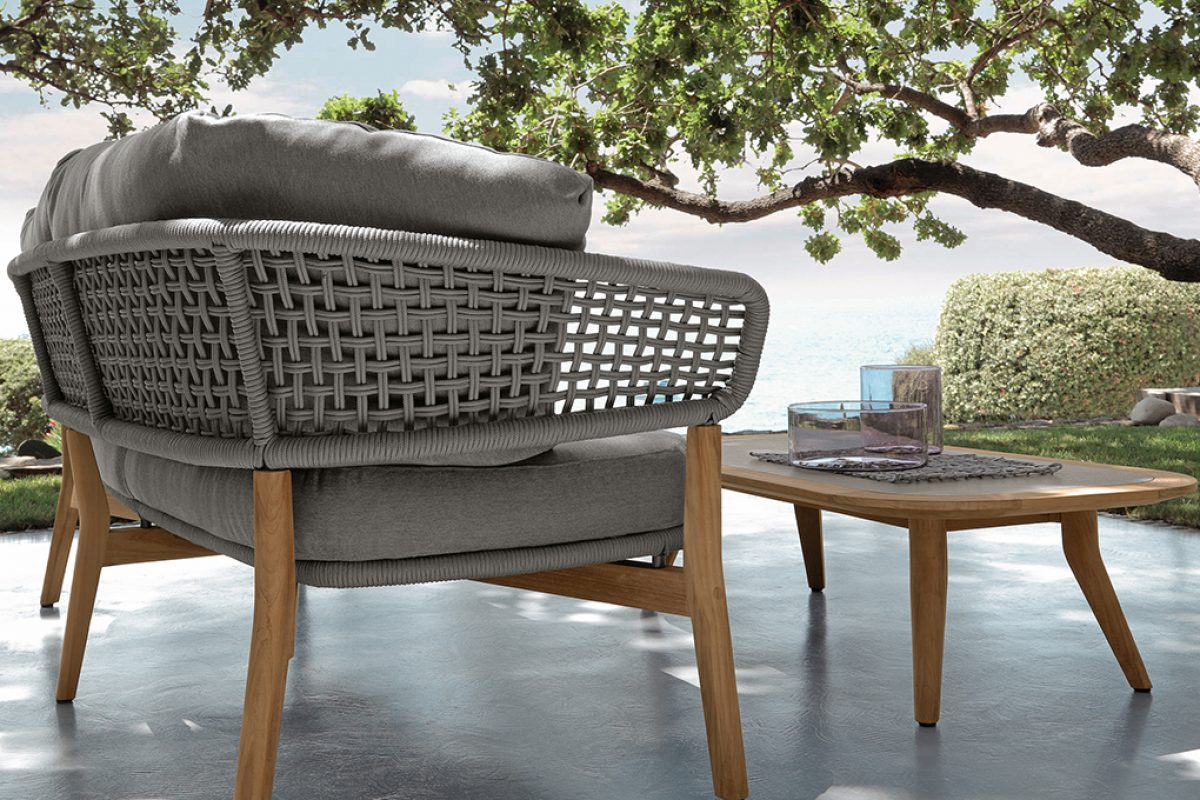 Interior elegance becomes outdoor with the new Moon collection designed by Cristian Visentin for Talenti