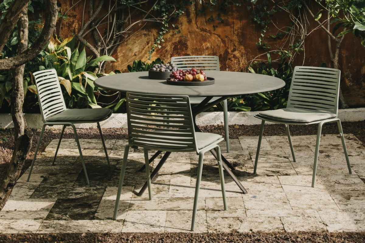 IMM Cologne 2018 preview: Fast will present its new Zebra and Moai collections designed by Lievore Altherr