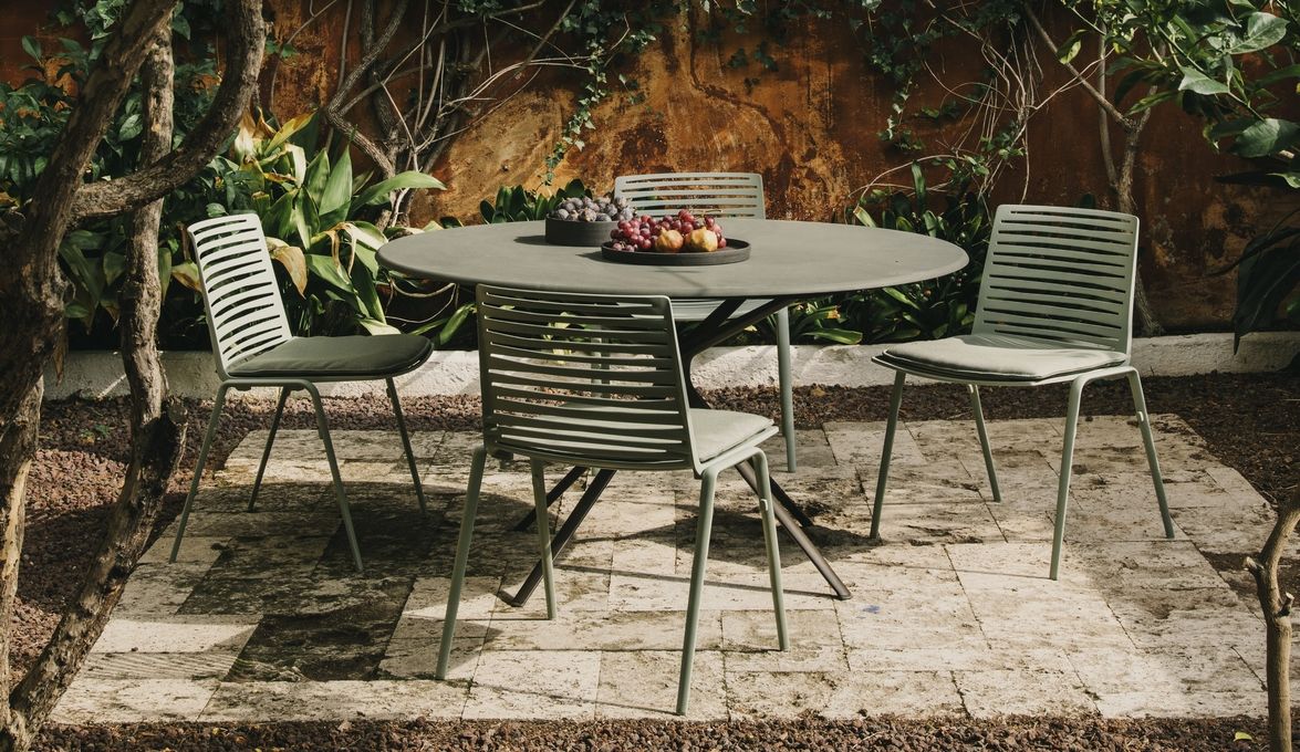 IMM Cologne 2018 preview Fast will present its new Zebra and Moai collections designed by Lievore Altherr & IMM Cologne 2018 preview: Fast will present its new Zebra and Moai ...