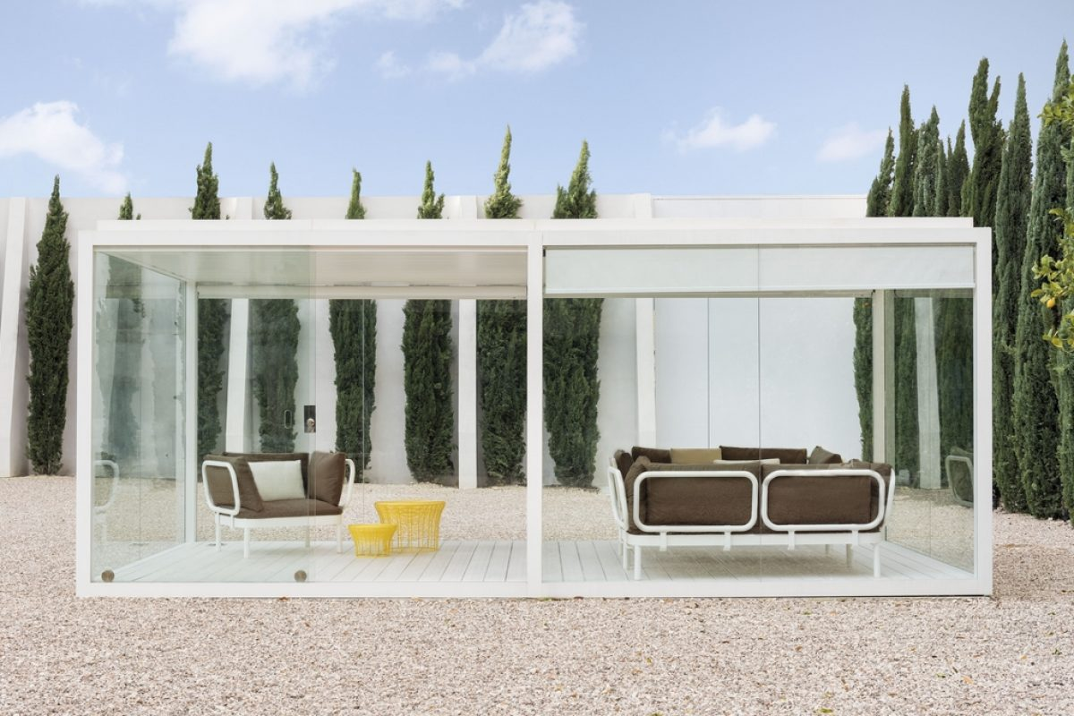 GANDIABLASCO turns the exterior into a comfortable place with its new Cristal Box