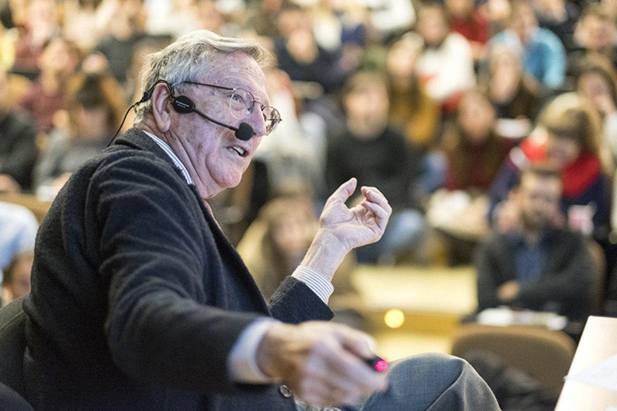 Architect Rafael Moneo, the first Spaniard to win the prestigious Pritzker Prize, closes a successful edition of CevisamaLab Architecture and Design Forum