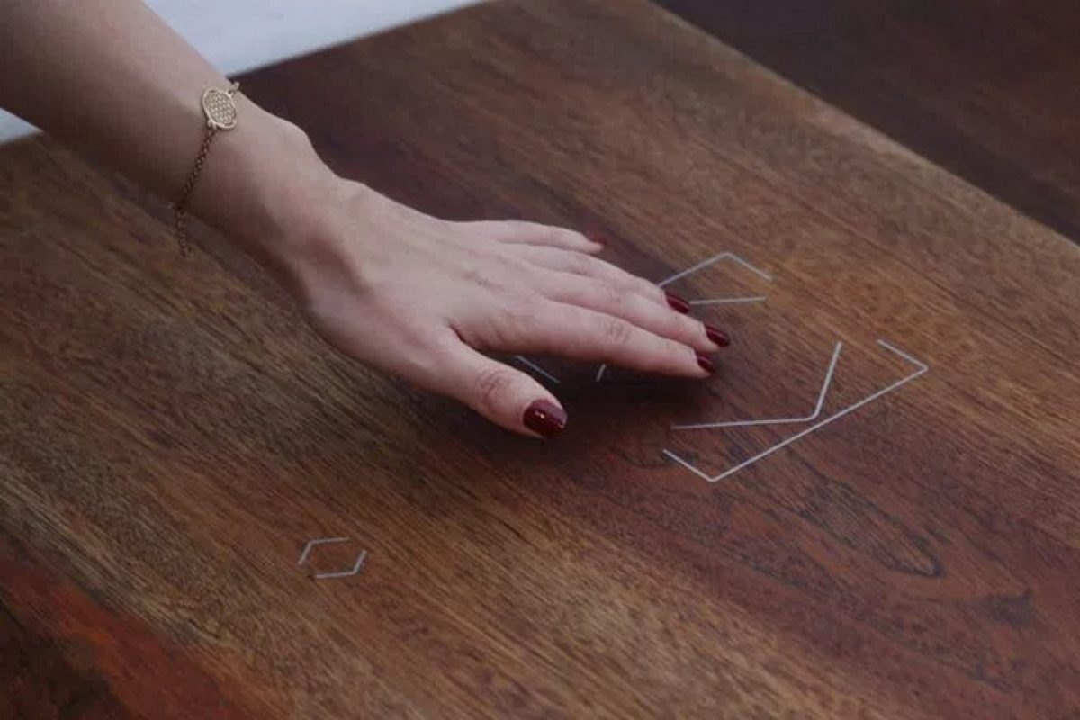 Loxone presents its new tactile button Touch Surface: the jewel of technology that combines control, design and discretion