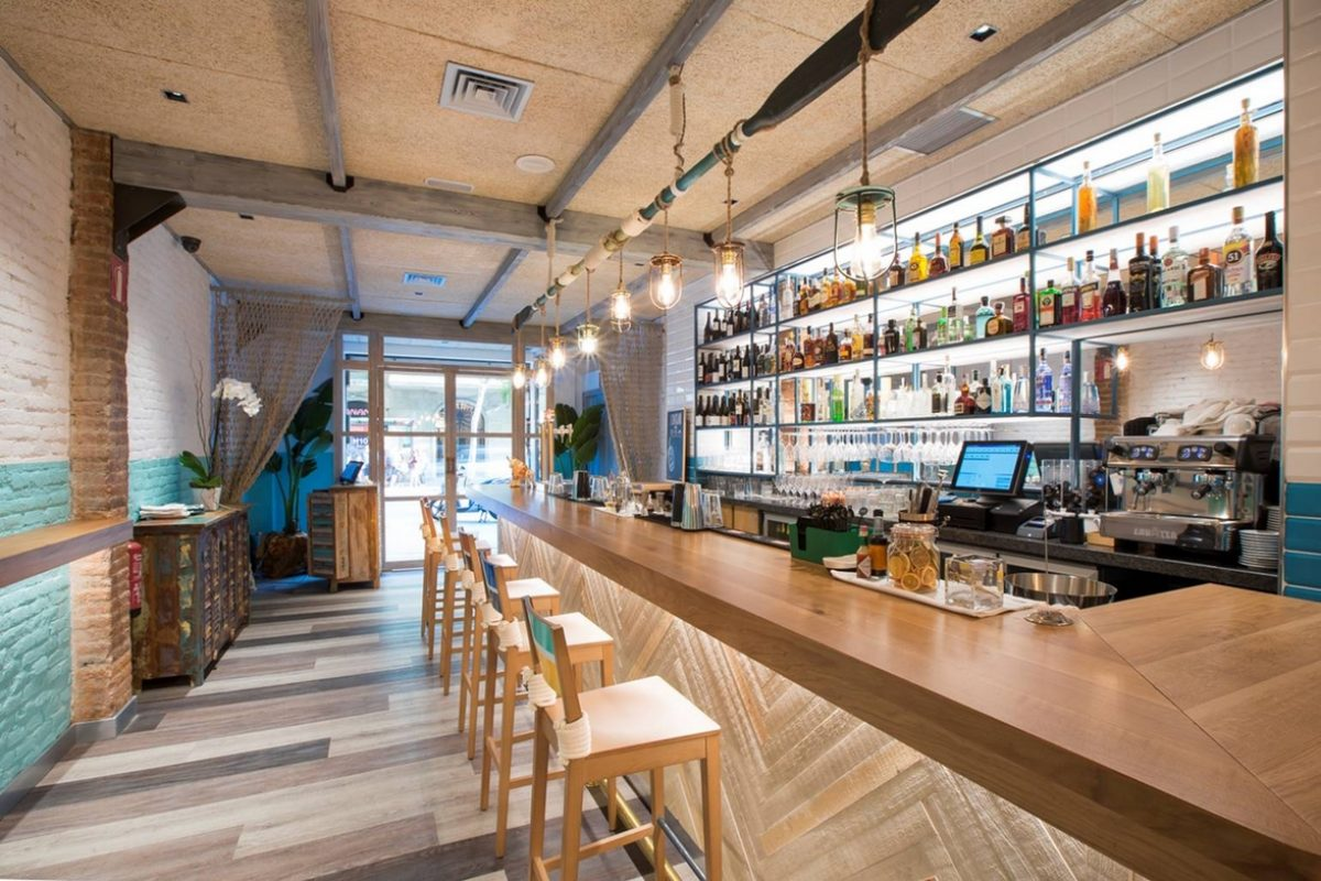 4Retail pays tribute to Peruvian cuisine in the integral construction of the restaurant Yakumanka in Barcelone, designed by Brandfood