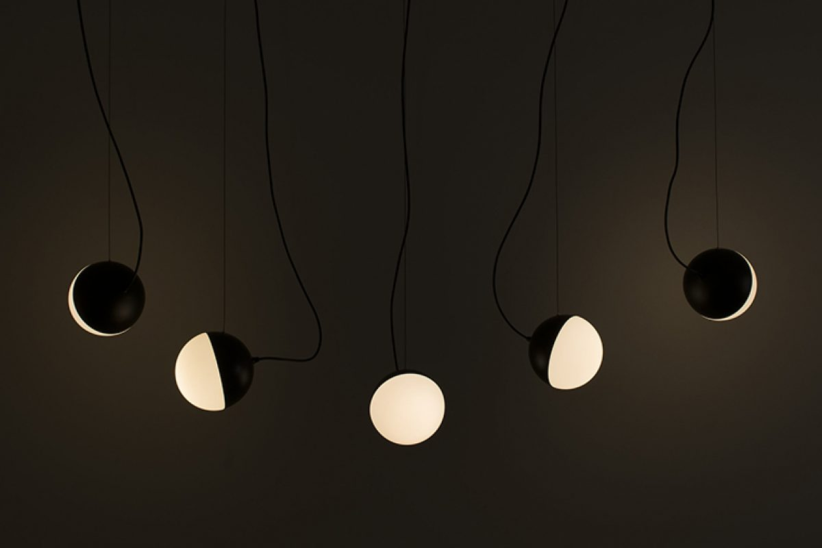 Francesc Rifé designed the lighting collection Half for Milan Iluminación. A true emotional interpretation of the moon
