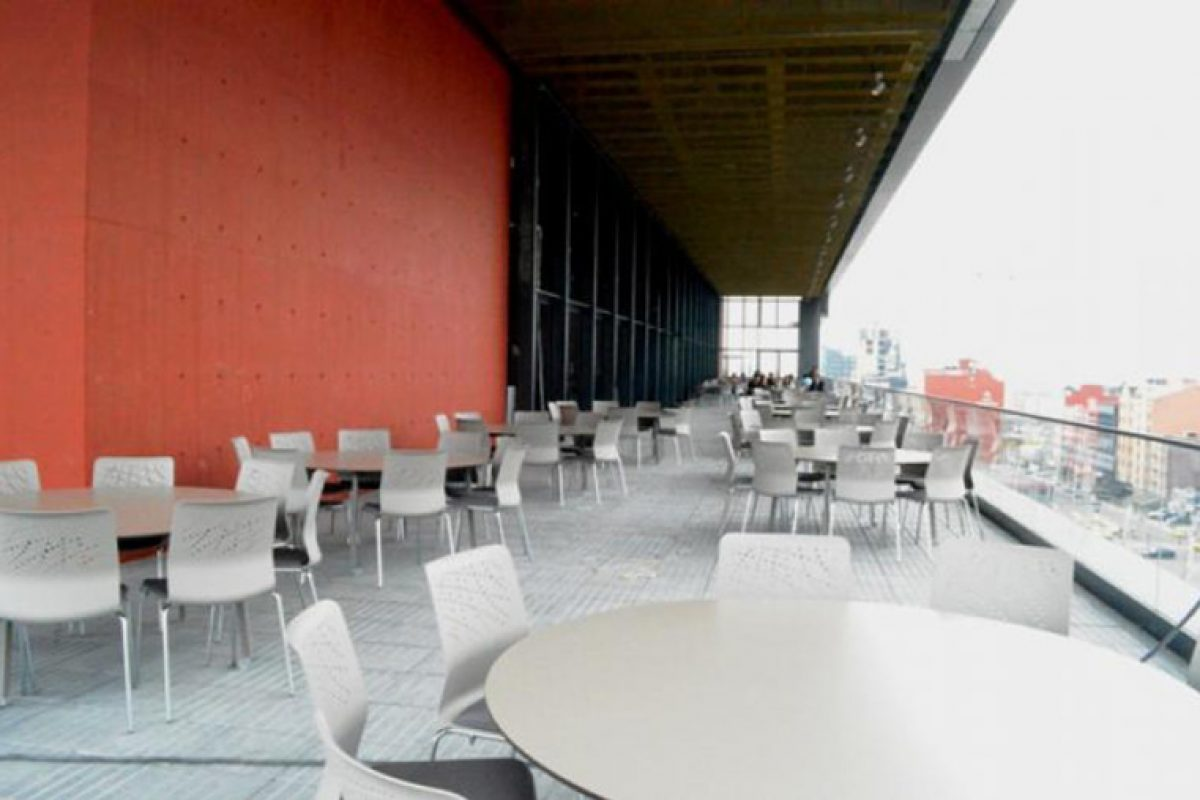 Ágora International Congress Hall in Bogota focuses on SELLEX and furnishes its innvovative spaces with designs by Lievore Altherr Molina and Carlos Tiscar