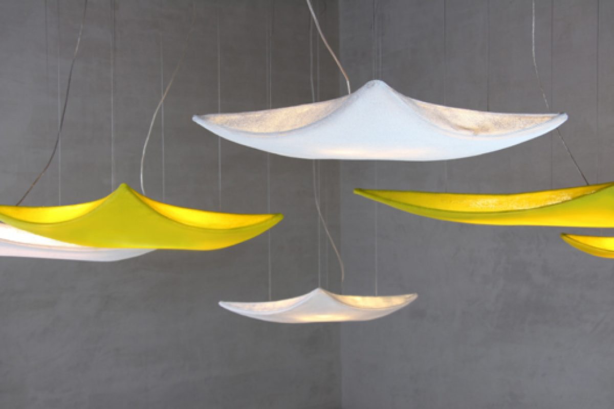 Kite lamp pendant version by Arturo Alvarez