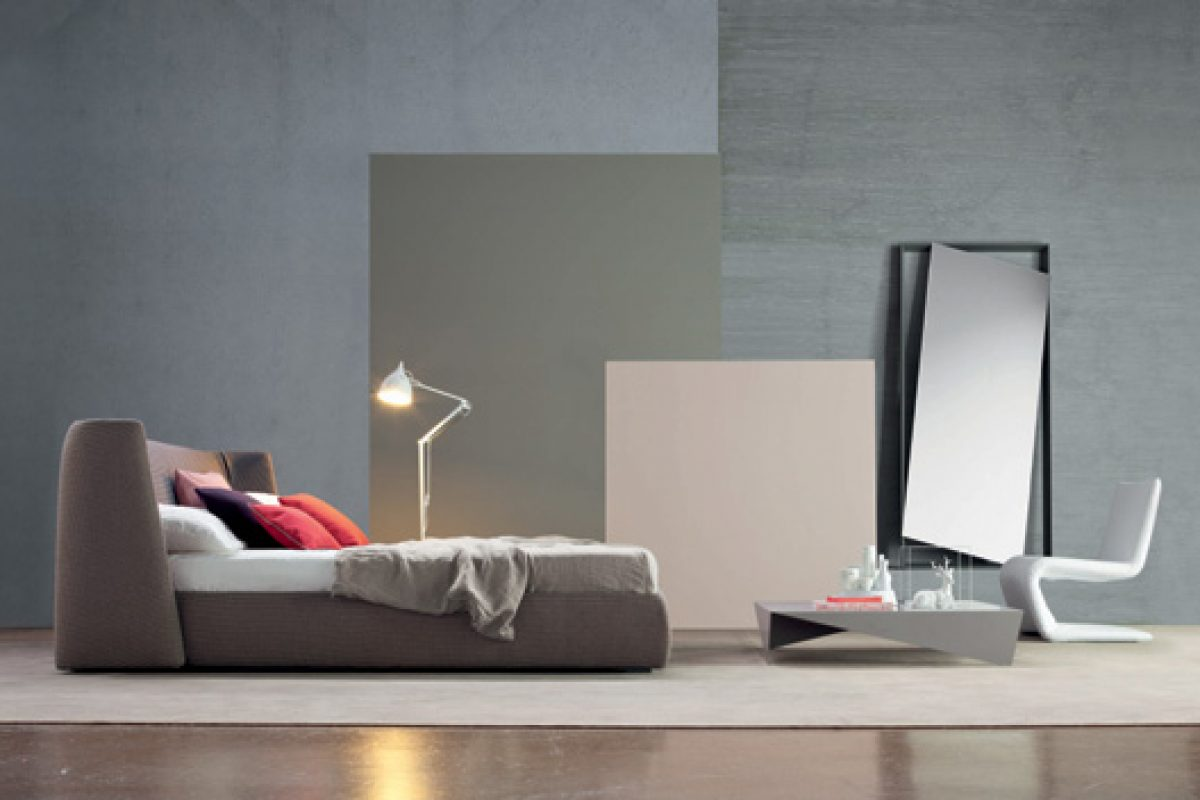 New Bonaldo products for the living room and bedroom. Designs by Mauro Lipparini and Giuseppe Viganò