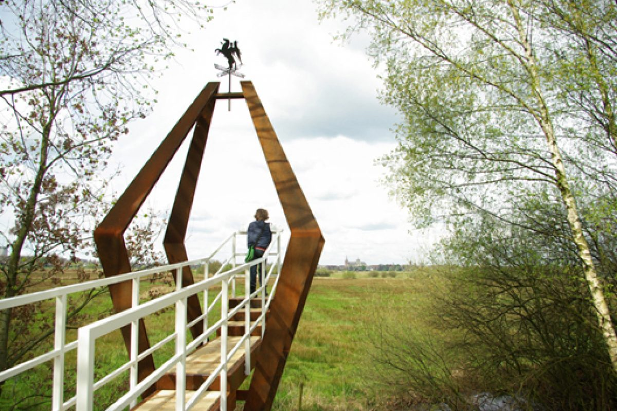 Carmela Bogman designs the Savage Silence chapel in Netherlands. A holy view on nature