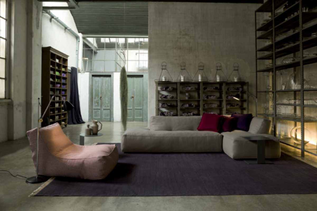 IMM Cologne preview: Noe sofa collection by Verzelloni with «Punto Cavallo» stitch finish