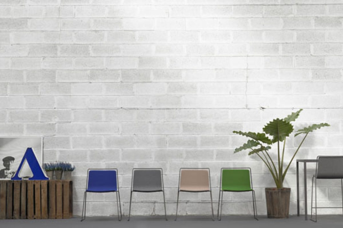 Bai, Alo and Bob. The newest chairs by Ondarreta Contract