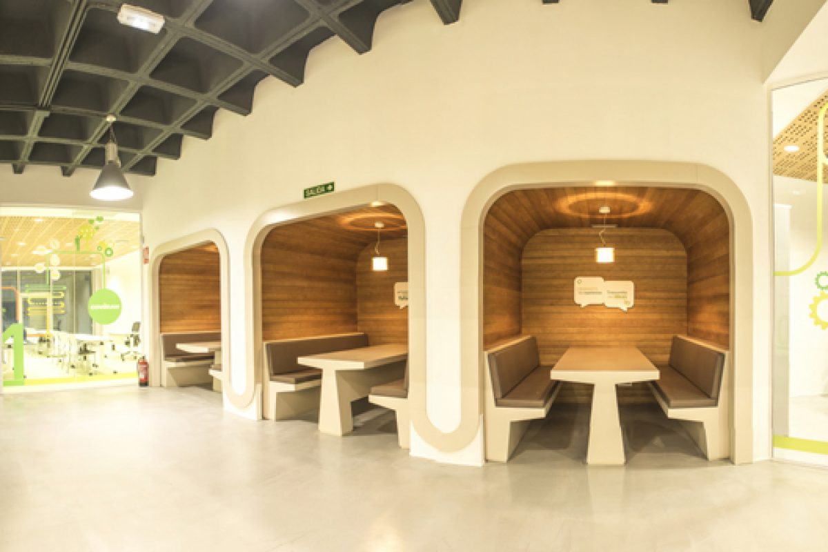Surgenia and Reinadecorazones create a corporate space «with soul» for Covirán Supermarkets