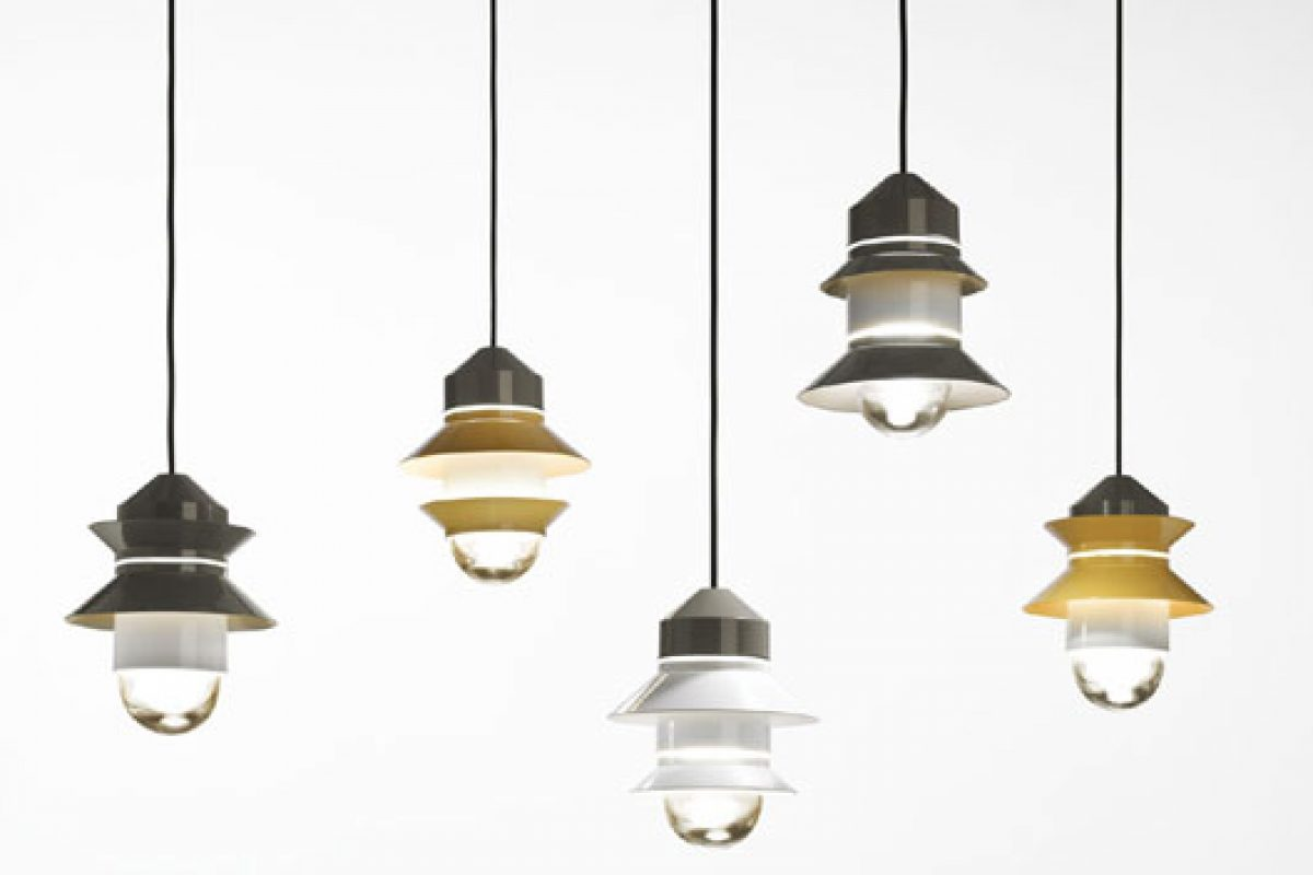 Marset presents the outdoor lighting collection Santorini. Garlands with light designed by Sputnik Estudio