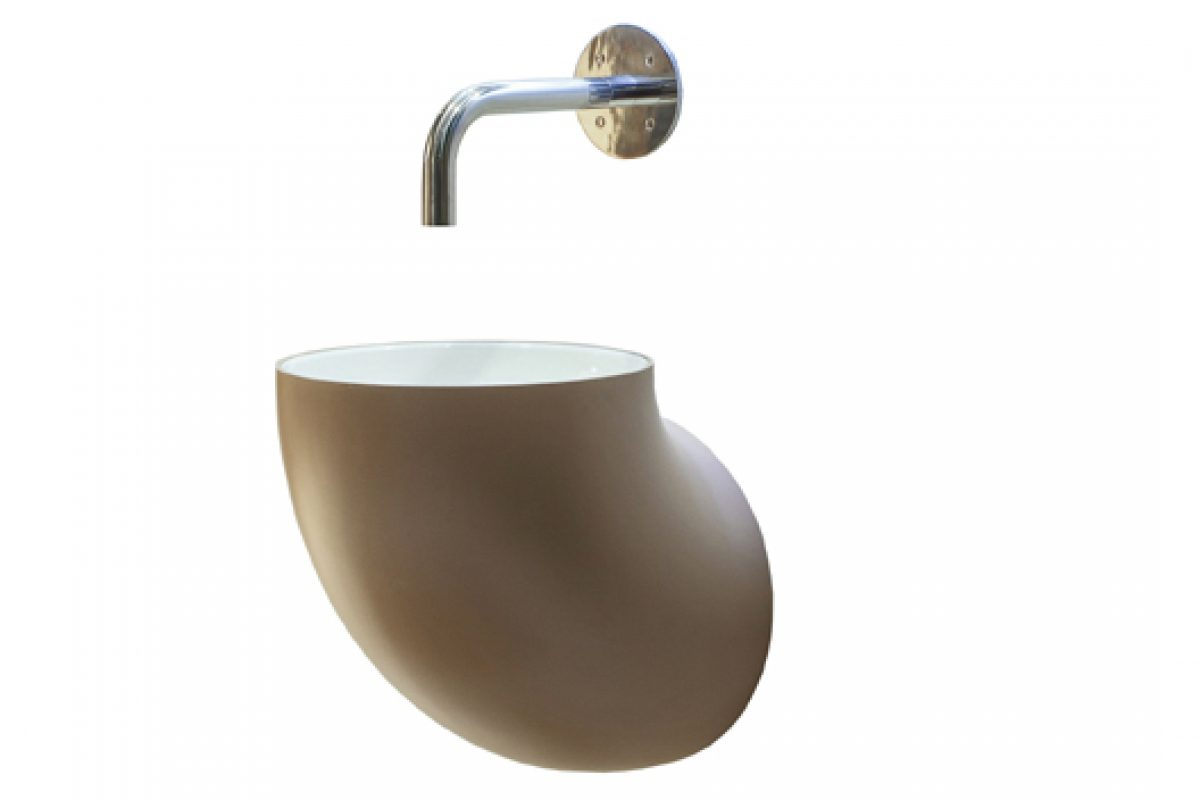 The Bendik Torvin Nordic design is reflected in the original washbasin Acquaio created for Lineabeta
