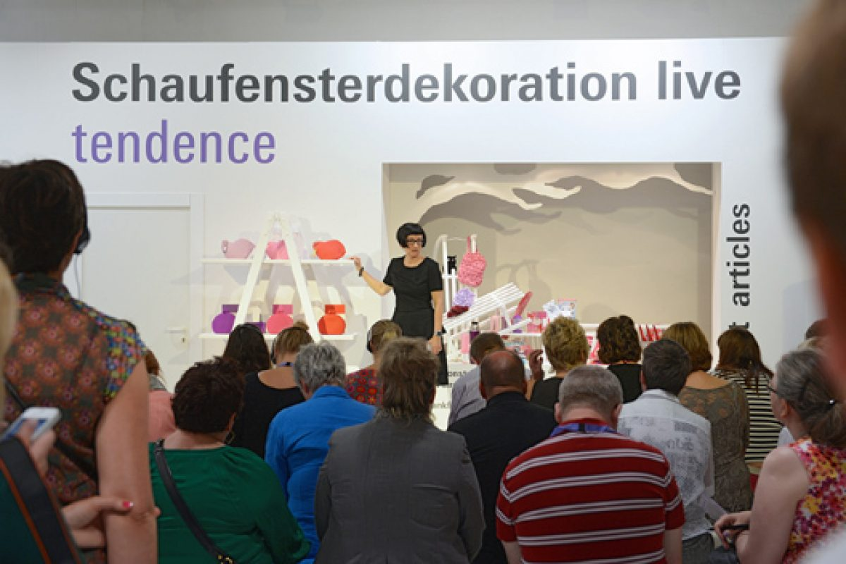 "Tendence offers trade visitors valuable tips at ""Window Dressing Live. Before Christmas"""